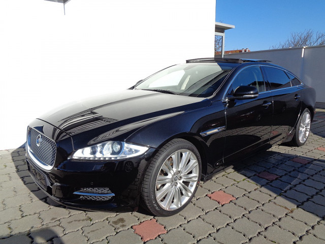 Jaguar XJ 3,0 V6 Ds. Portfolio lang bei Ford Gaberszik Graz in